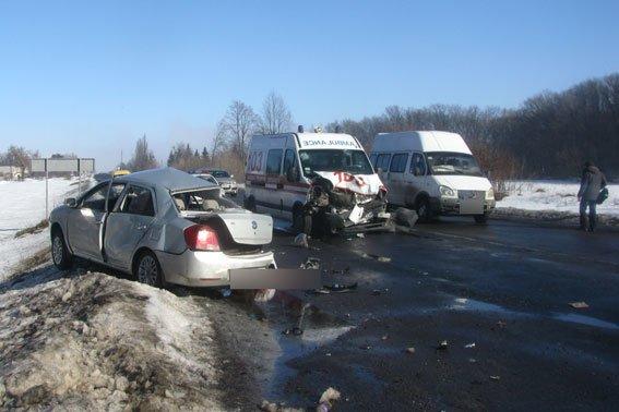 В Полтавской области «скорая помощь» сбила насмерть человека, еще одного травмировала (фото) - фото 2