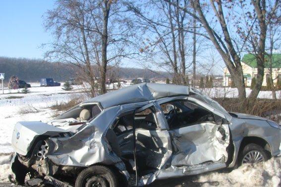 В Полтавской области «скорая помощь» сбила насмерть человека, еще одного травмировала (фото) - фото 1