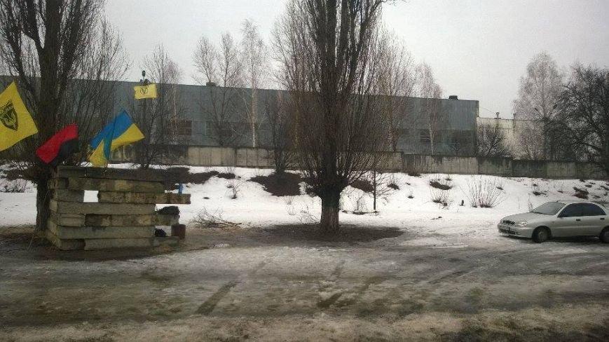 Сумські активісти долучилися до блокування російських вантажівок, фото-1