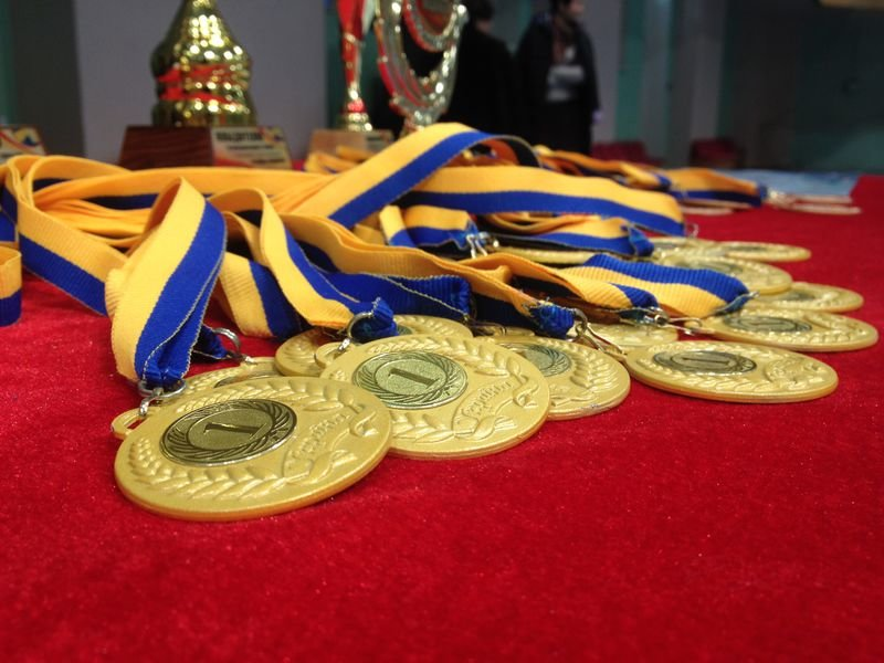 В Запорожье соревновались почти полсотни команд ветеранов волейбола, - ФОТО (фото) - фото 3