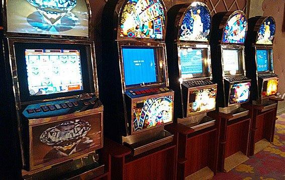 В Днепропетровске разоблачена сеть игорных заведений и казино: фотографии (фото) - фото 1