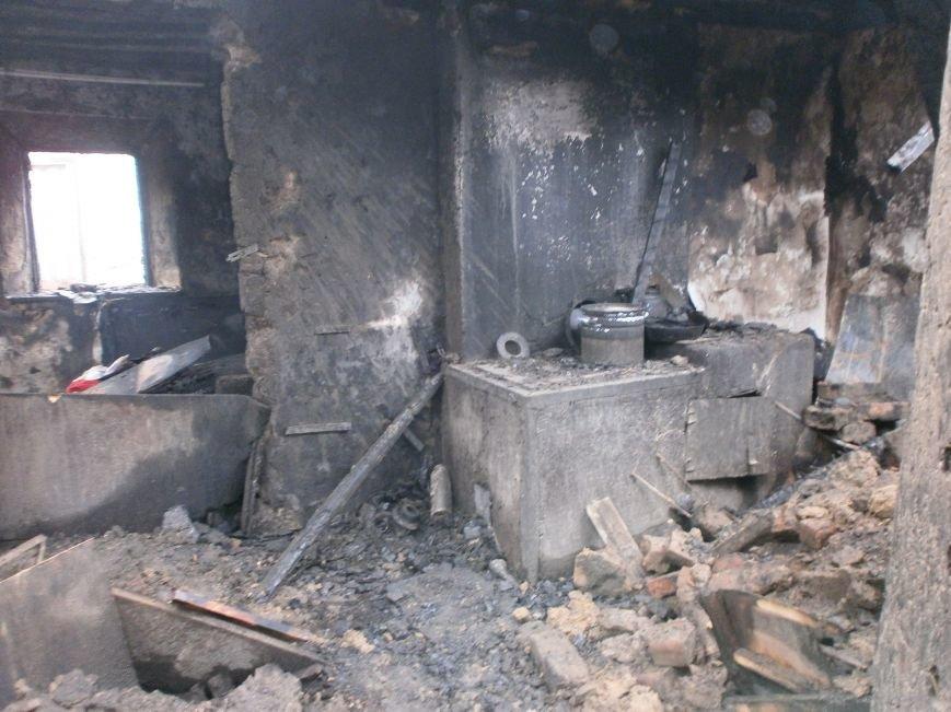 Пожар на улице Маршевой в Днепродзержинске уничтожил крышу жилого дома (фото) - фото 5