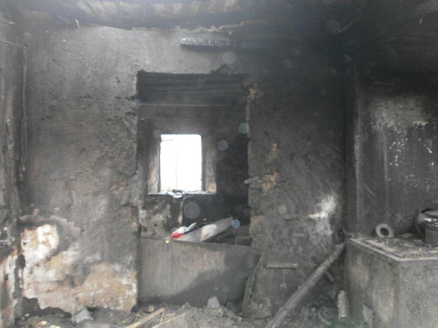 Пожар на улице Маршевой в Днепродзержинске уничтожил крышу жилого дома (фото) - фото 6