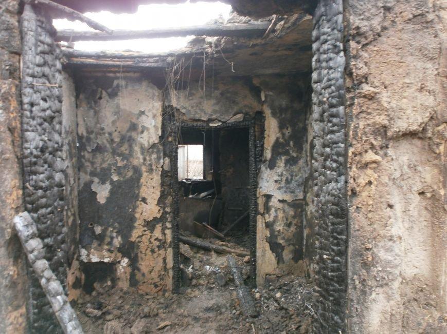 Пожар на улице Маршевой в Днепродзержинске уничтожил крышу жилого дома (фото) - фото 2
