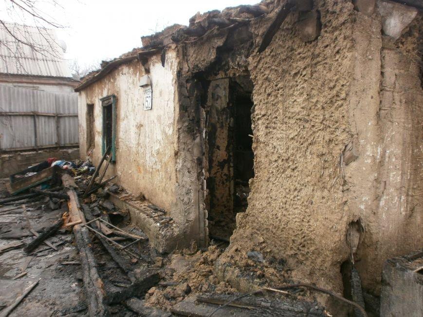 Пожар на улице Маршевой в Днепродзержинске уничтожил крышу жилого дома (фото) - фото 3