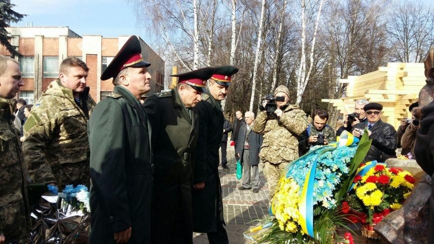 У Львові вшанували пам'ять військових, які загинули під час війни в Афганістані у 1979-1989 роках (ФОТО) (фото) - фото 3