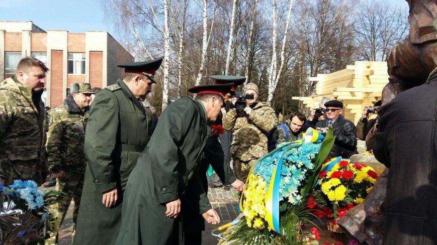 У Львові вшанували пам'ять військових, які загинули під час війни в Афганістані у 1979-1989 роках (ФОТО) (фото) - фото 1