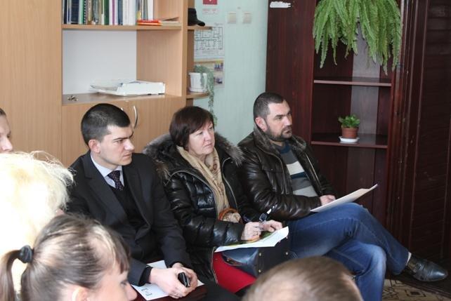 В Новограде прошел круглый стол участников рабочей группы Регионального центра по предоставлению бесплатной вторичной правовой помощи (фото) - фото 1