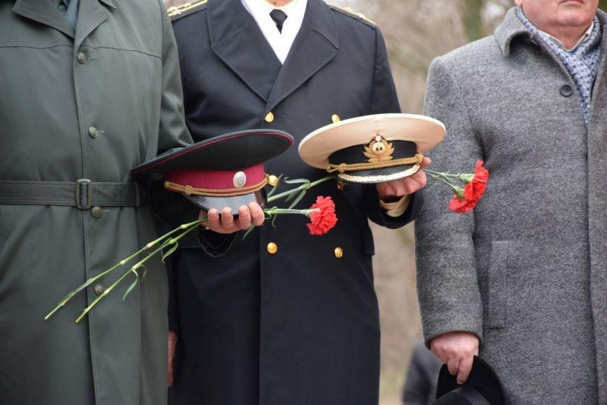 Ветераны-афганцы прошлись по Николаеву мемориальным маршем (ФОТОРЕПОРТАЖ) (фото) - фото 5