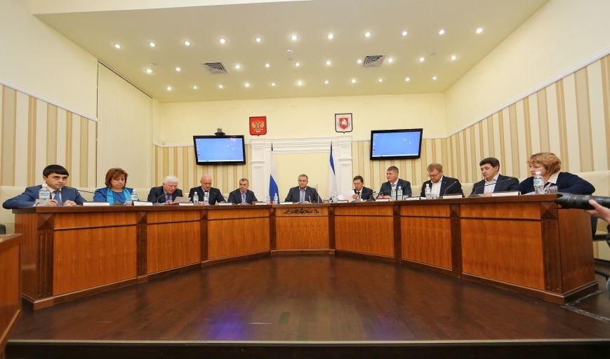 Глава Крыма поручил усилить контроль за качеством топлива в республике (ФОТО), фото-1