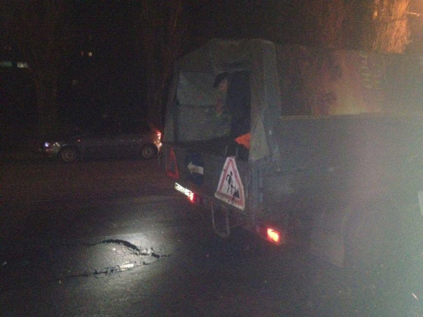 1f157eb85123e92ccb61529a2cc8f518 Одесситы из-за ям перекрывали дороги