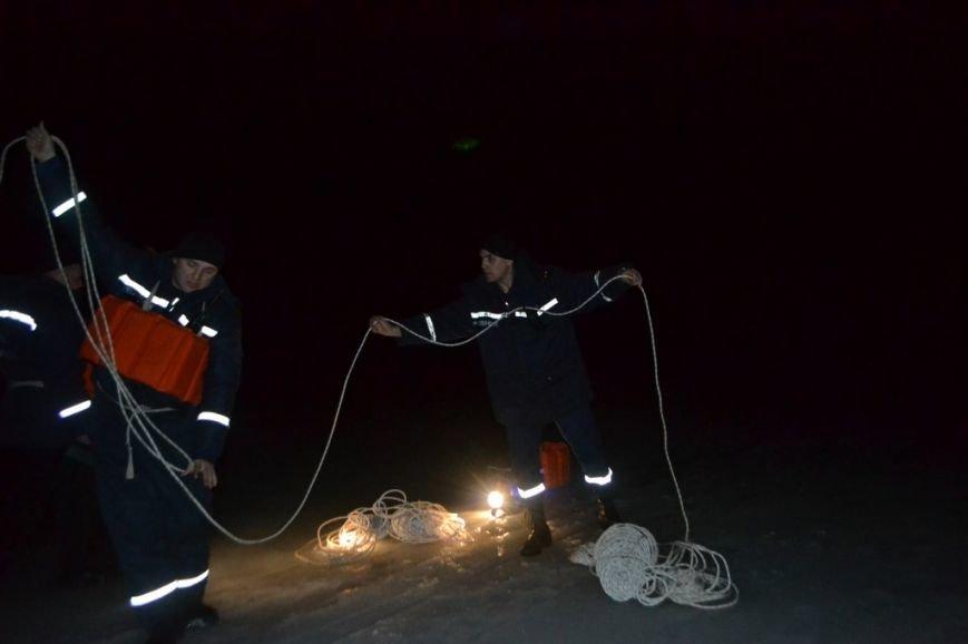 Под Киевом 11 рыбаков уплыли на льдине (ФОТО), фото-1