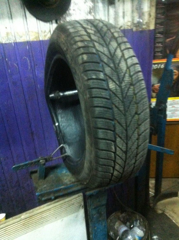 Одессит требует от властей компенсацию за разбитую в яме машину (ФОТО) (фото) - фото 1