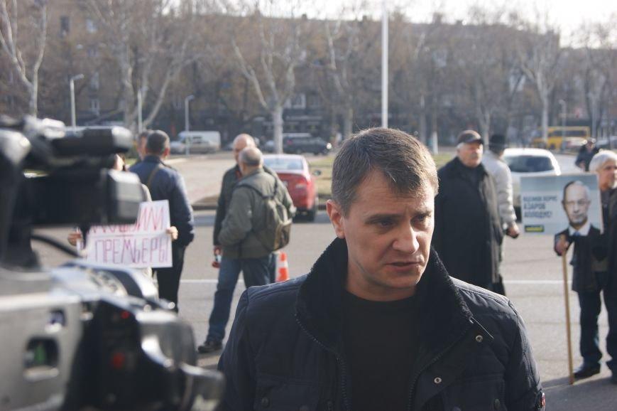 cc728c33ea5fc679a64fca8d075d48f1 Одесситы спросили у Яценюка за реформы