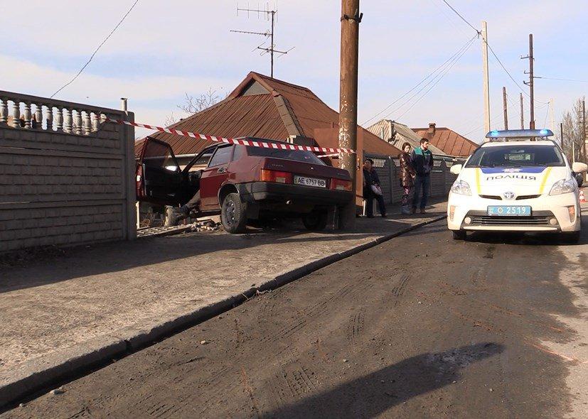 ДТП на пр.Воронцова: смертельное столкновение водителя  ВАЗ-21099 с забором (ФОТО) (фото) - фото 2