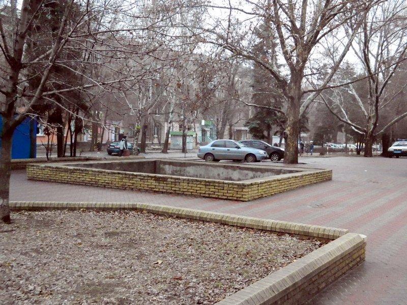 Прогулки по Запорожью с Романом Акбашем: гуляем от Металлургов до Леонова (фото) - фото 16