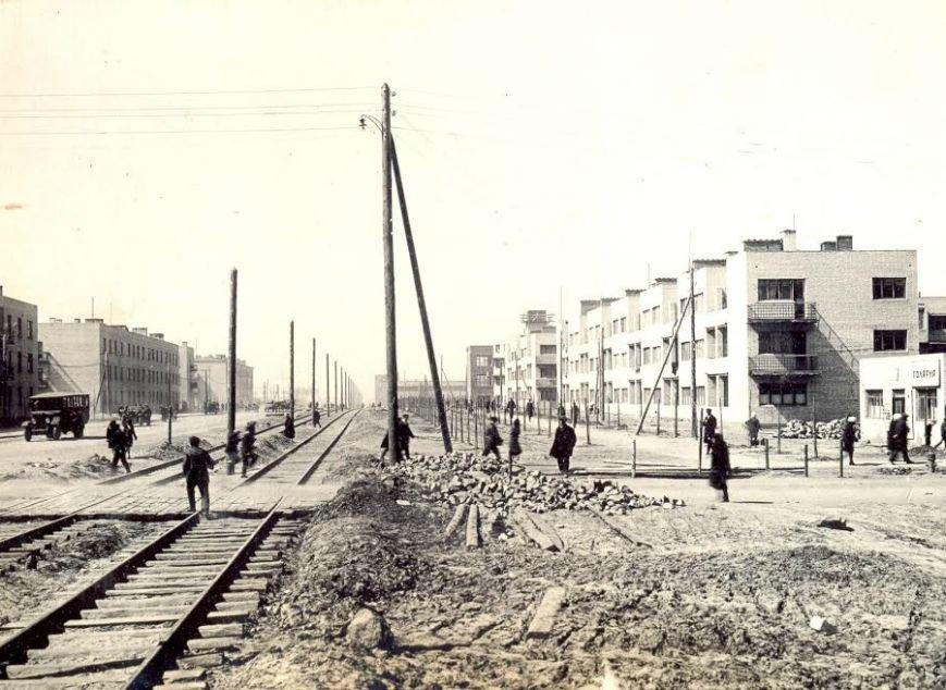 Прогулки по Запорожью с Романом Акбашем: гуляем от Металлургов до Леонова (фото) - фото 1