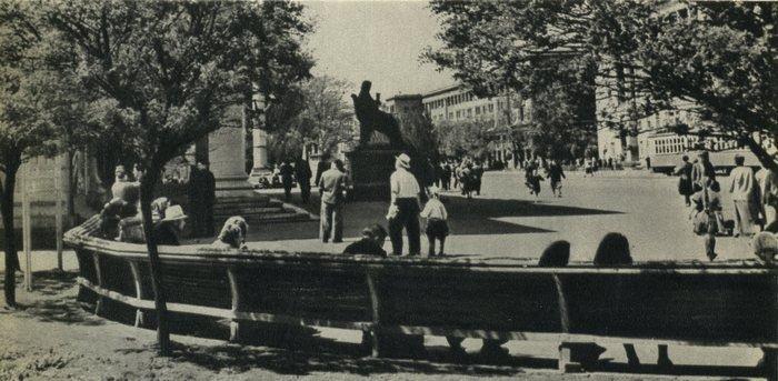 Прогулки по Запорожью с Романом Акбашем: гуляем от Металлургов до Леонова (фото) - фото 9