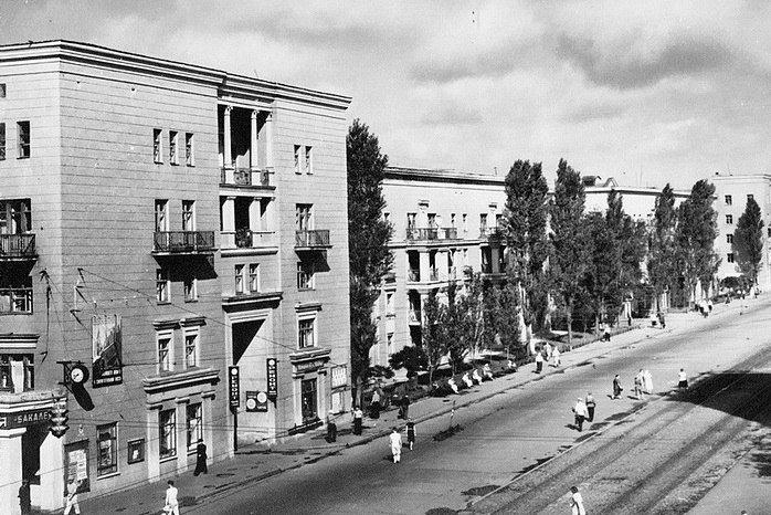 Прогулки по Запорожью с Романом Акбашем: гуляем от Металлургов до Леонова (фото) - фото 2