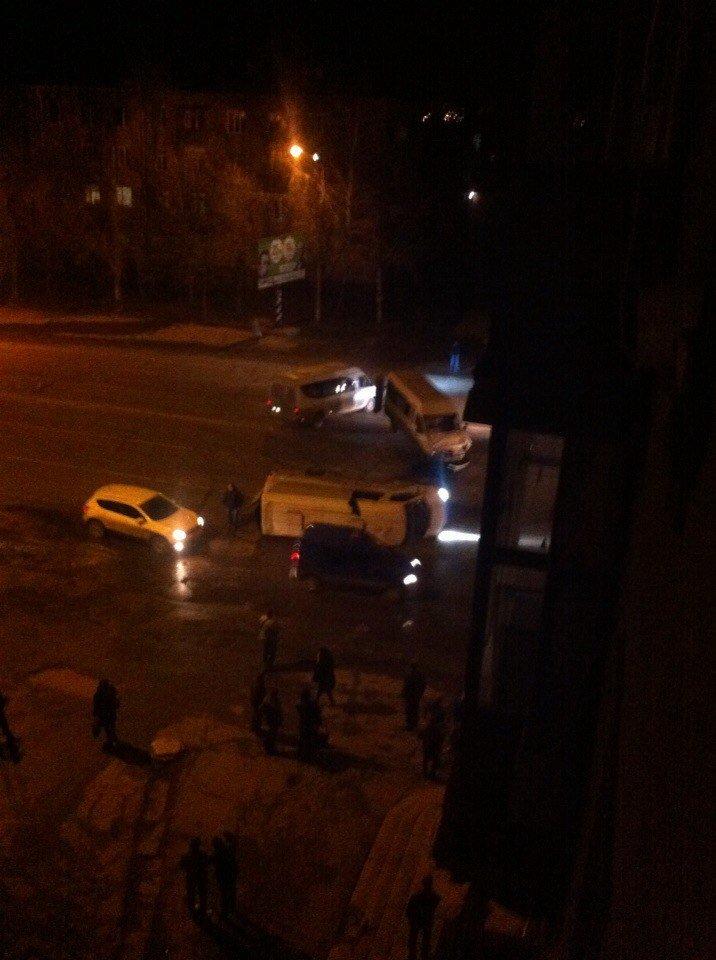 ДТП в Кривом Роге: Маршрутное такси влетело в микроавтобус (ФОТО) (фото) - фото 2