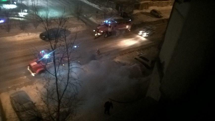 Ночью на улице Пермской загорелся автомобиль, фото-2