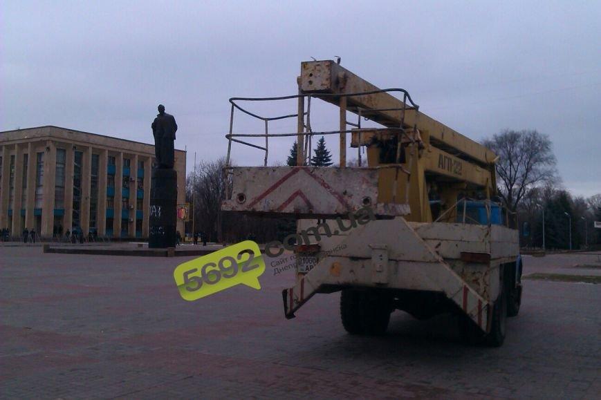 В Днепродзержинске готовятся к сносу памятника Дзержинского (фото) - фото 3