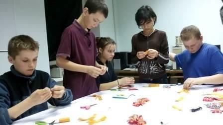 Ярмарка изделий творчества детей-сирот прошла на День Святого Валентина (фото) (фото) - фото 2