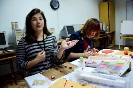 Ярмарка изделий творчества детей-сирот прошла на День Святого Валентина (фото) (фото) - фото 3