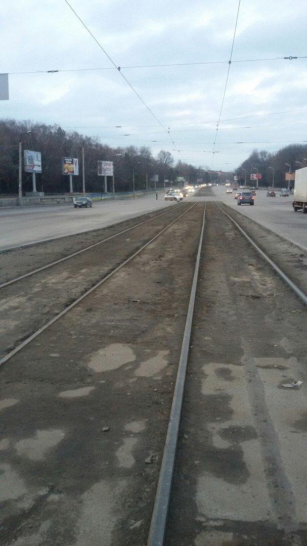 На пр.Б.Хмельницкого уже месяц меняют светофоры: регулировщики появляются только в час-пик (ФОТО) (фото) - фото 4