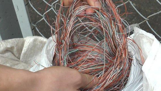 В Сумах задержали воров телефонных кабелей (ФОТО) (фото) - фото 1