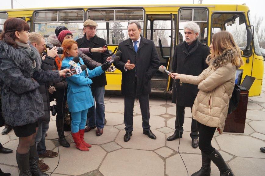 В Запорожье автобус оснастили интеллектуальной системой (ФОТО) (фото) - фото 1
