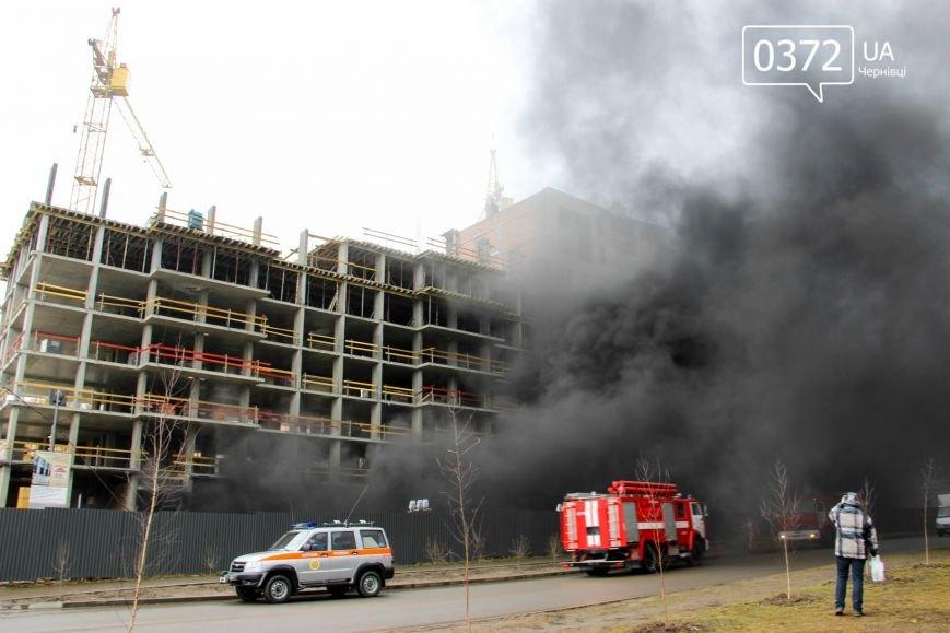 """У Чернівцях горить недобудований житловий комплекс """"Водограй""""(ФОТО), фото-2"""