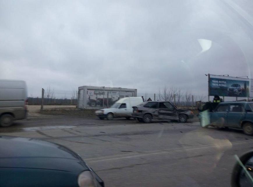 Понівечені автомобілі: у Тернополі на Об'їзній сталася аварія (ФОТОФАКТ), фото-1