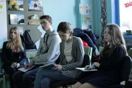 Для херсонских школьников прошли тренинги по интернет-безопасности (фото) (фото) - фото 2