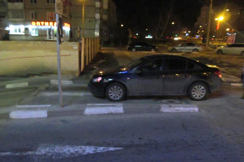 В Белгороде сбили дорожную работницу (фото) - фото 2