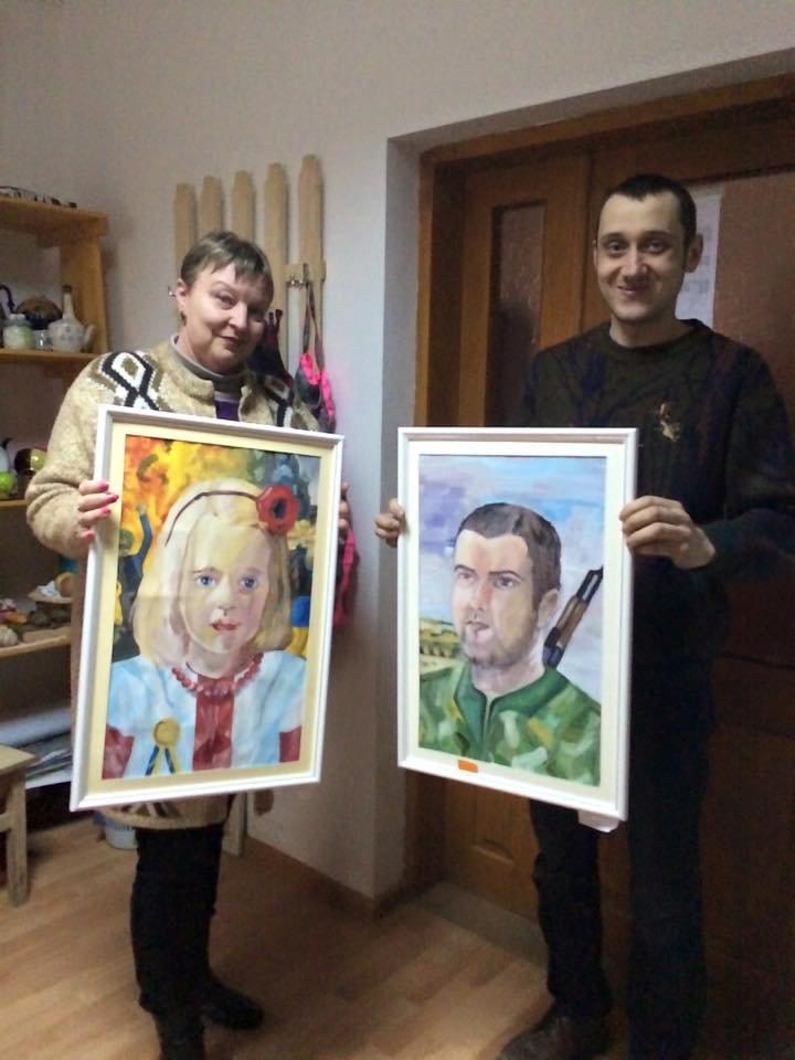Юні буковинські художники віддали свої роботи волонтерам для допомоги військовим, фото-4