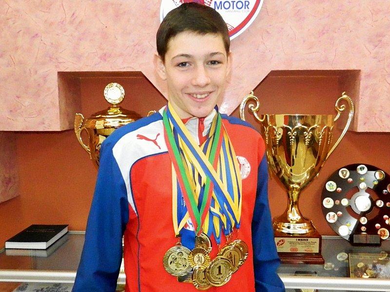 Запорожец Егор Адэ стал лучшим боксером международного турнира (ФОТО) (фото) - фото 1