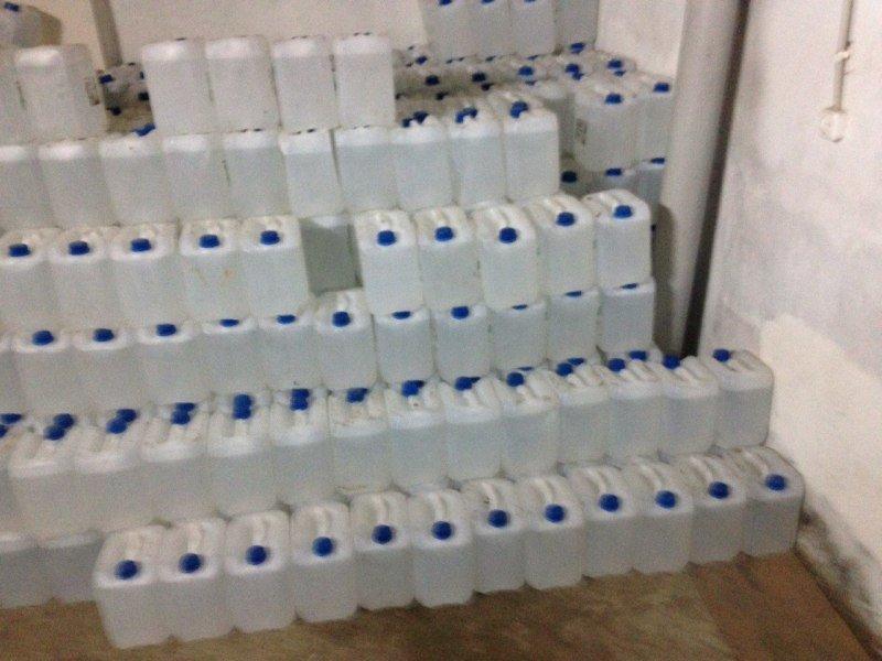 В Конотопі податківці вилучили майже 4 тони контрабандного спирту (фото) - фото 1