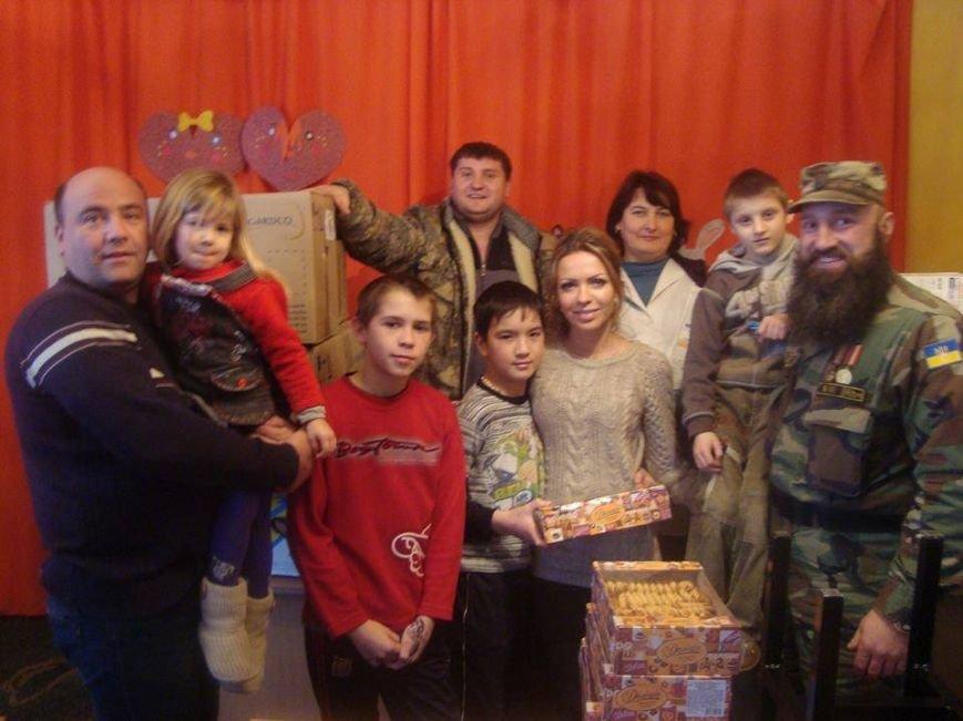 Дети Северодонецкой школы-интерната получили помощь от волонтеров (ФОТО), фото-4