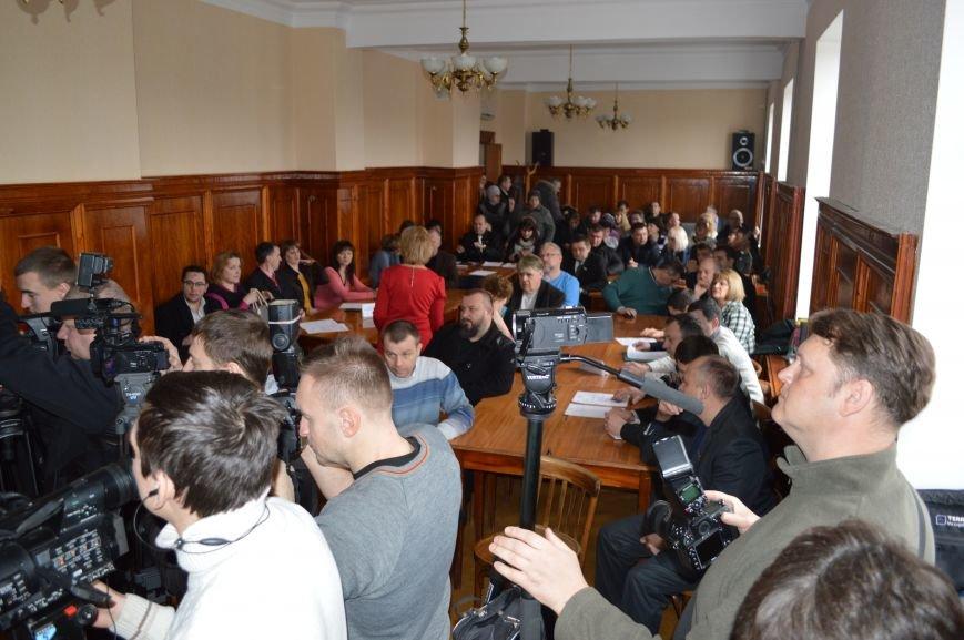 Внеочередная сессия Северодонецкого горсовета не обошлась без скандала (ФОТО), фото-3