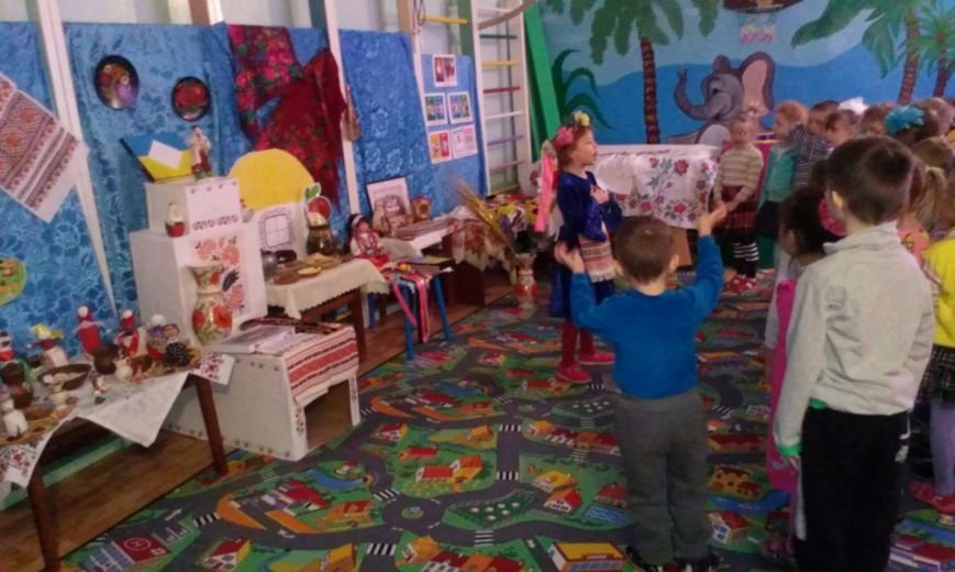 Выставка в детском саду города Белозерское «Украина моя - жемчужина» (фото) - фото 1