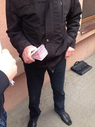 В Івано-Франківську СБУ затримала на хабарі судмедексперта. Фото, фото-1