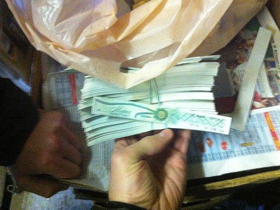 В Днепродзержинске и Днепропетровске изъяли фальшивой водки на полмиллиона гривен (фото) - фото 6