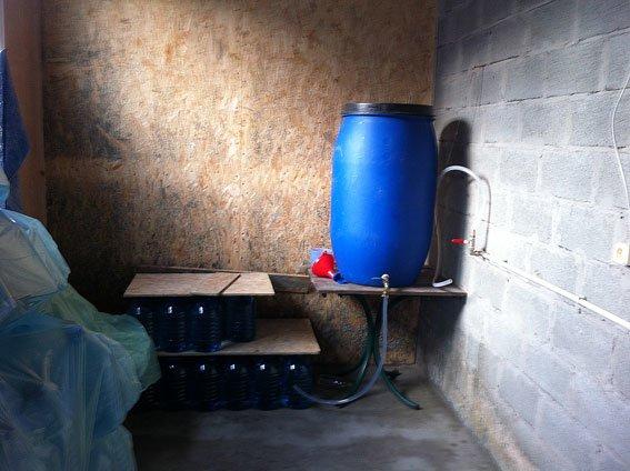 В Днепродзержинске и Днепропетровске изъяли фальшивой водки на полмиллиона гривен (фото) - фото 4
