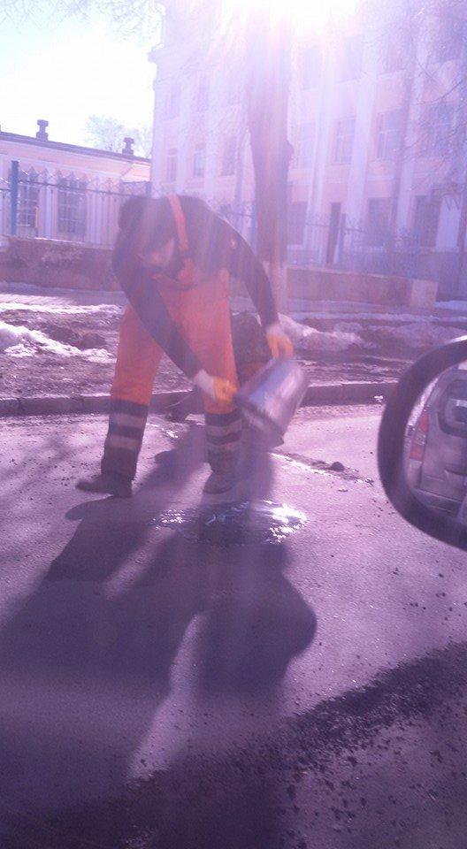 Улица в Полтаве, которую ремонтировали во время снегопада, снова нуждается в ремонте (ФОТОФАКТ), фото-1