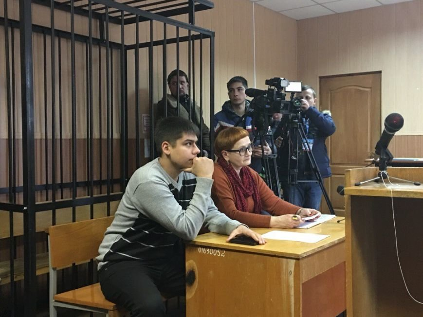 Суд не поддержал попытки полиции Кривого Рога арестовать и изолировать активиста Антона Кравченко (ФОТО) (фото) - фото 1