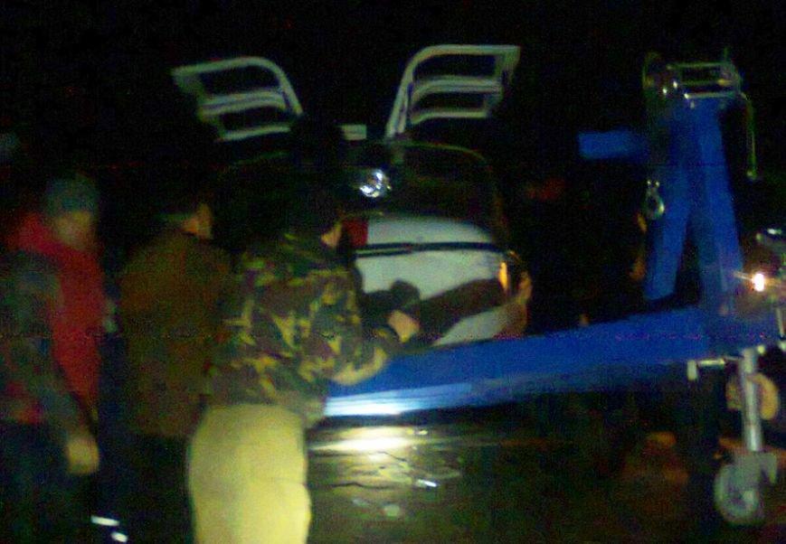 Спасатели Полтавщины снимали рыбаков с оторванной льдины, а те сопротивлялись (ФОТО) (фото) - фото 1