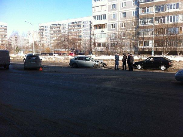 В Заволжье столкнулись три автомобиля, фото-2