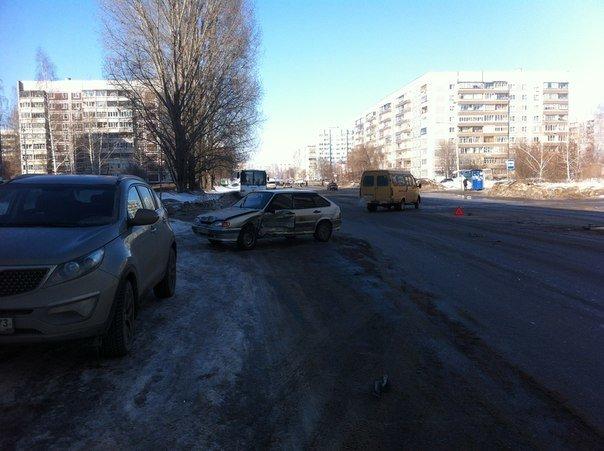 В Заволжье столкнулись три автомобиля, фото-3