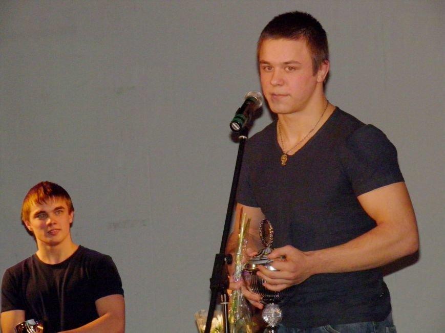 Дмитрий-Кияшок---чемпион-мира-2015-г.-по-греко-римской-борьбе (1)